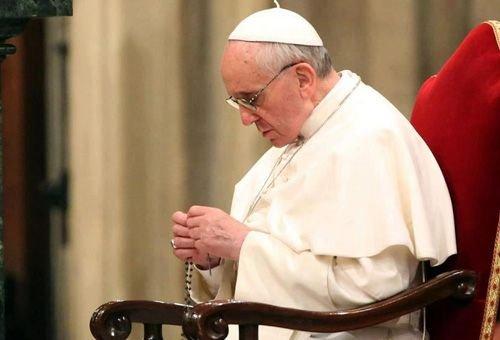 papa francisco e o terço