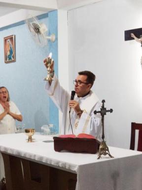 Na mesa da Eucaristia
